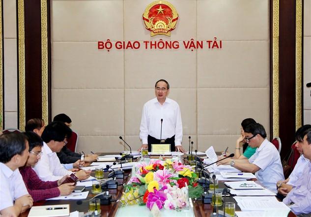 Chủ tịch Ủy ban Trung ương MTTQ Việt Nam Nguyễn Thiện Nhân phát biểu tại buổi làm việc. Ảnh: VGP