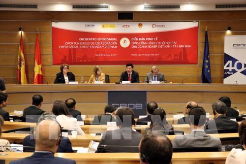 Phó Thủ tướng, Bộ trưởng Ngoại giao Phạm Bình Minh đang phát biểu tại Diễn đàn. Ảnh: Ngự Bình-TTXVN