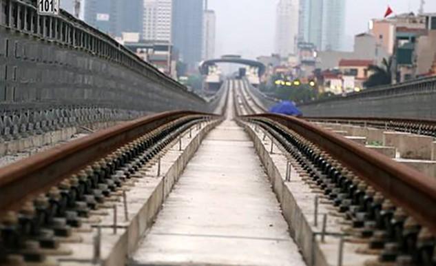 Một số đoạn ray đường sắt Cát Linh - Hà Đông bị rỉ sét.