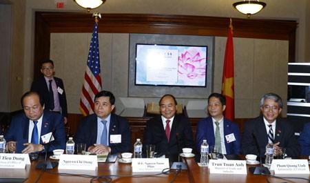 Thủ tướng Nguyễn Xuân Phúc tọa đàm với các tập đoàn, doanh nghiệp hàng đầu của Hoa Kỳ. Ảnh: VGP