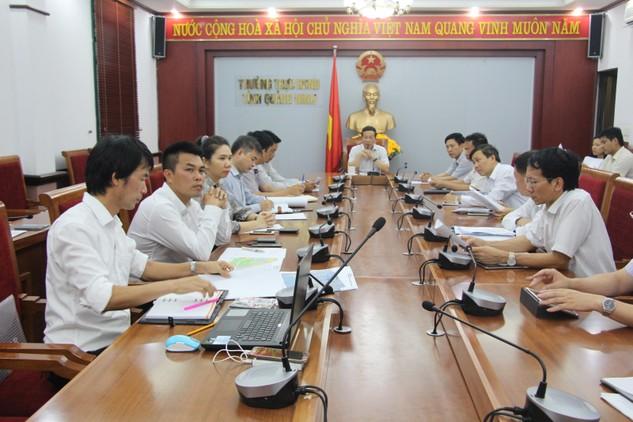 Ông Nguyễn Văn Thành, Phó Chủ tịch UBND tỉnh chủ trì cuộc họp
