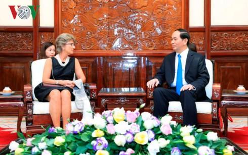 Chủ tịch nước Trần Đại Quang và Đại sứ Tây Ban Nha Jesus Figa Lopez Palop. Ảnh: VOV