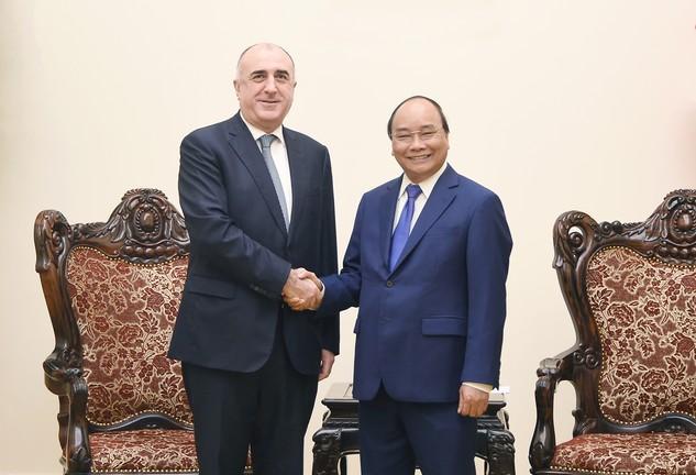 Thủ tướng Nguyễn Xuân Phúc tiếp Bộ trưởng Ngoại giao Azerbaijan. Ảnh: VGP