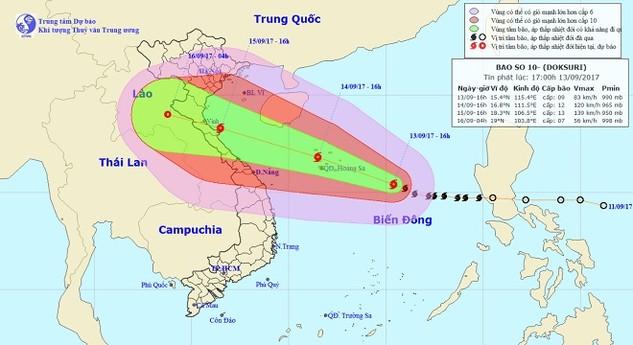 Vị trí và hướng di chuyển của bão số 10. Ảnh: Trung tâm Dự báo KTTVTƯ
