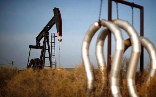 Một mỏ dầu ở Bakersfield, California, Mỹ - Ảnh: Reuters.
