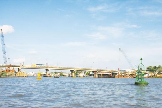 Các tỉnh vùng Đồng bằng sông Cửu Long cần liên kết với nhau thông qua một loạt chính sách phát triển hạ tầng vệ tinh, đồng bộ, mang tính kết nối. Ảnh: Tất Tiên