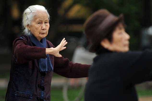 Theo bà Ngân, đóng BHXH thấp dẫn đến hưởng lương hưu thấp, cuộc sống về già bấp bênh. Ảnh: K.N.