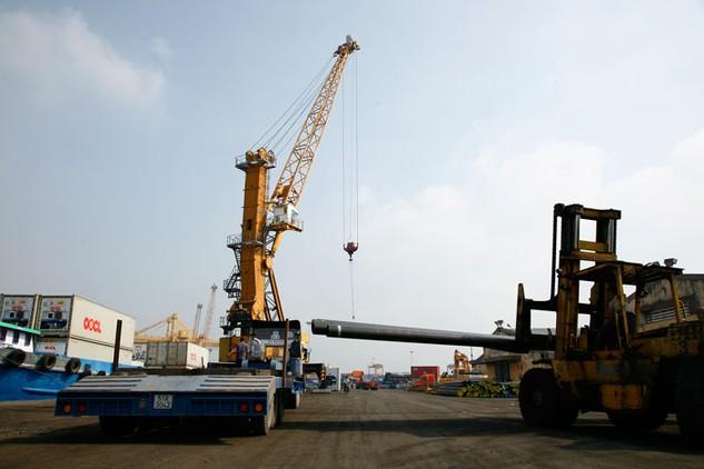 Lượng vật liệu xây dựng của các doanh nghiệp Việt Nam xuất khẩu sang Trung Đông và Châu Phi ngày càng tang. Ảnh: Lê Tiên
