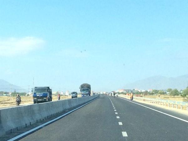 Thông xe Quốc lộ 1 đoạn qua Ninh Thuận. Ảnh Internet