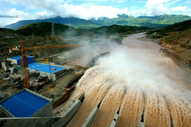 Với thuế suất 5%, số thu ngân sách từ thuế tài nguyên nước thiên nhiên dùng cho sản xuất thủy điện khoảng 3.875,6 tỷ đồng/năm. Ảnh: Nhã Chi