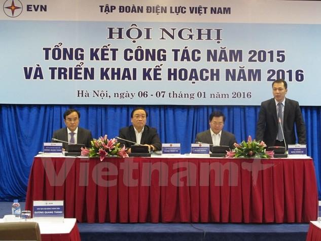 Phó Thủ tướng Hoàng Trung Hải dự và chỉ đạo hội nghị Tổng kết năm 2015 của Tập đoàn Điện lực Việt Nam (Ảnh: Đức Duy/Vietnam+)