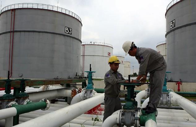 Ngành Thuế gia tăng thanh, kiểm tra doanh nghiệp nhập khẩu và kinh doanh lĩnh vực xăng dầu. Ảnh: Internet.