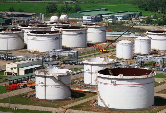 Cần nhiều kịch bản để ứng phó với giá dầu, kể cả phương án giá dầu giảm xuống mức 30 – 35 USD/thùng. Ảnh: Lê Tiên