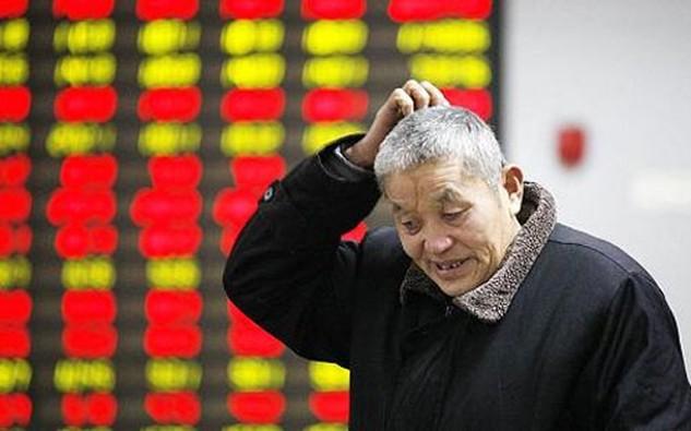 Tuần trước, Shanghai Composite để mất sạch thành quả tăng của năm 2015 khi giảm gần 10% chỉ trong vòng 5 phiên giao dịch - Ảnh: CNBC/Getty.