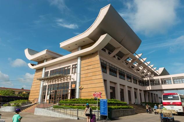 Lượng hàng hóa xuất, nhập khẩu tiểu ngạch giữa Việt Nam và Trung Quốc rất lớn. Ảnh: P. Tuấn
