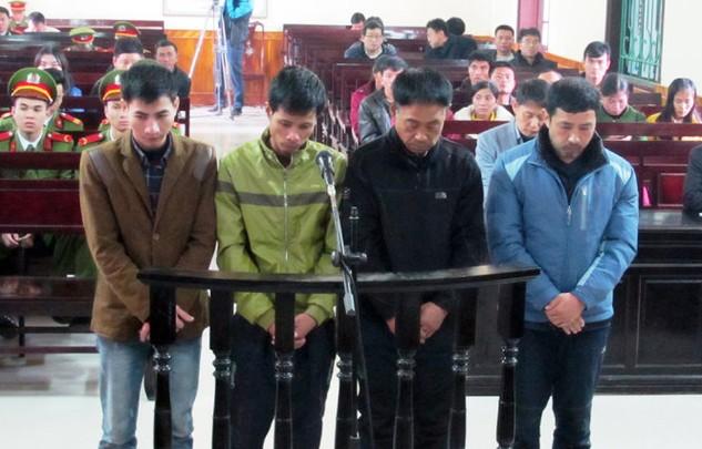 Từ trái qua là bị cáo Tuấn, Đức, Lee và Wook đều kháng cáo