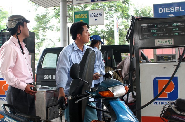 Đến nay đã có 23 thương nhân đầu mối kinh doanh xuất nhập khẩu xăng dầu. Ảnh: LTT