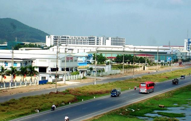 Năm 2015, Nghệ An đã thu hút được hơn 100 dự án, với tổng vốn đầu tư đăng ký hơn 87.000 tỷ đồng. Ảnh: Lê Tiên