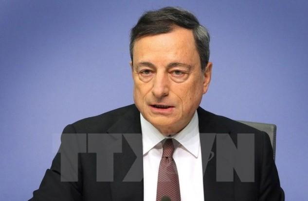 Chủ tịch ECB Mario Draghi phát biểu trong một cuộc họp báo sau phiên họp Hội đồng thống đốc ở Frankfurt am Main, miền tây nước Đức ngày 21/1. (Nguồn: AFP/TTXVN)