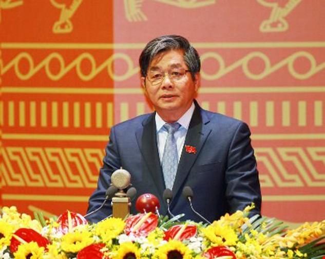 Ông Bùi Quang Vinh – người có bài tham luận gây chú ý trước 1.510 đại biểu dự Đại hội trong phiên thảo luận văn kiện Đảng