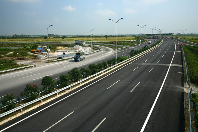 69 dự án BOT trong tổng số 71 dự án PPP của Bộ Giao thông vận tải đều chỉ định nhà đầu tư. Ảnh: Lê Tiên