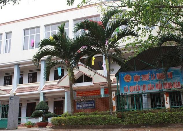 Chi cục Thuế thị xã Buôn Hồ - nơi xảy ra vụ thất thoát nhiều tỉ đồng tiền thuế