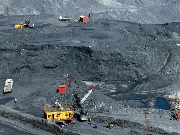 Công nghiệp khai khoáng đang đóng góp một tỷ lệ không nhỏ trong tăng trưởng kinh tế. Ảnh: Đức Thanh