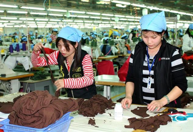 Khi TPP có hiệu lực, khối nước này sẽ chiếm khoảng 60% hàng may mặc xuất khẩu của Việt Nam. Ảnh: Lê Tiên