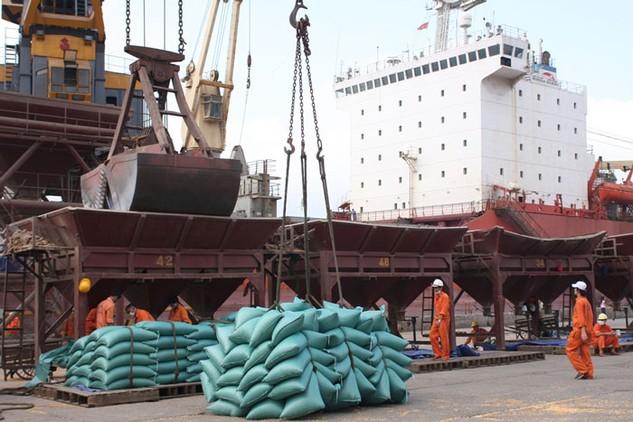 CIEM dự báo, xuất khẩu năm 2016 sẽ tăng 10,4%. Ảnh: Lê Tiên