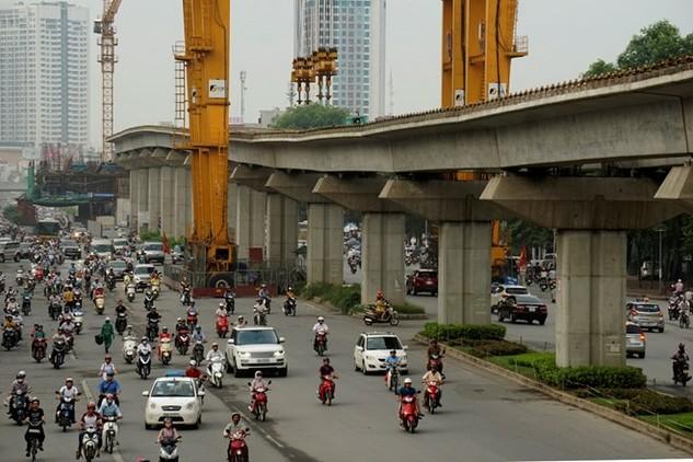 Đường sắt Cát Linh - Hà Đông, một trong những công trình được mong đợi trong năm 2016 này.