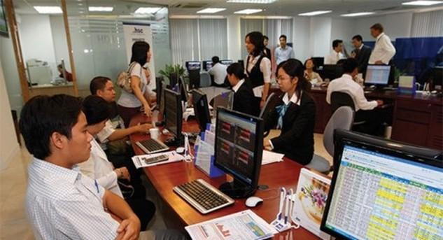 UBCKNN không ngừng rà soát, cắt giảm chi phí tuân thủ trong lĩnh vực chứng khoán tạo thuận lợi nhà đầu tư. Ảnh: Internet