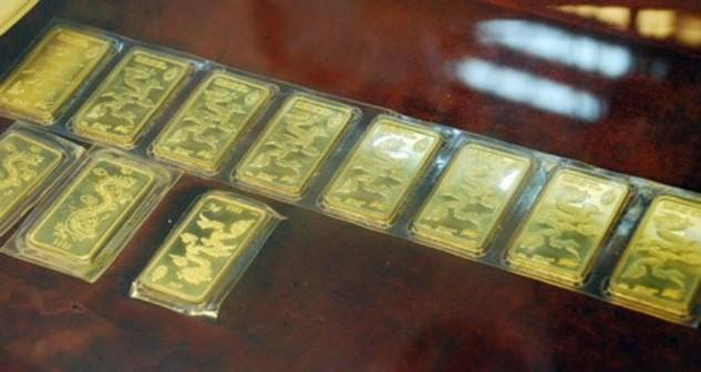 Giá vàng quay đầu giảm 800 nghìn đồng/lượng