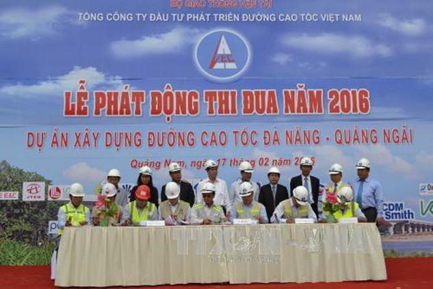 Thông xe đường cao tốc Đà Nẵng- Quảng Ngãi vào cuối năm. Ảnh: Đoàn Hữu Trung-TTXVN