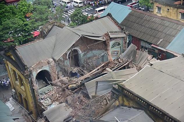 Vụ nhà cổ bị sập trên phố Trần Hưng Đạo tháng 9/2015