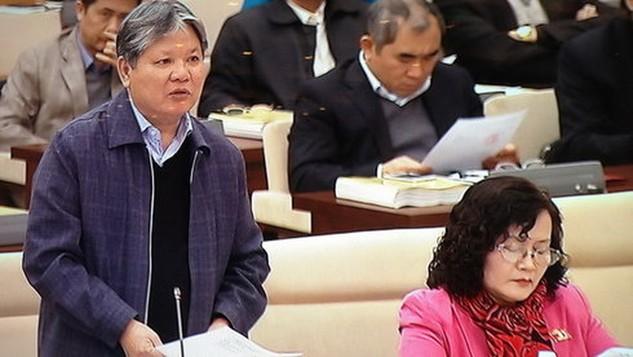 Ông Hà Hùng Cường thay mặt Chính phủ kiến nghị Ủy ban Thường vụ Quốc hội cho lùi thời gian trình dự án Luật biểu tình - Ảnh: L.K