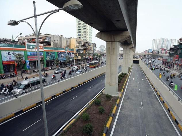 Tuyến đường sắt đô thị Cát Linh - Hà Đông dự kiến vận hành thương mại vào cuối năm 2016. Ảnh: Đức Thanh