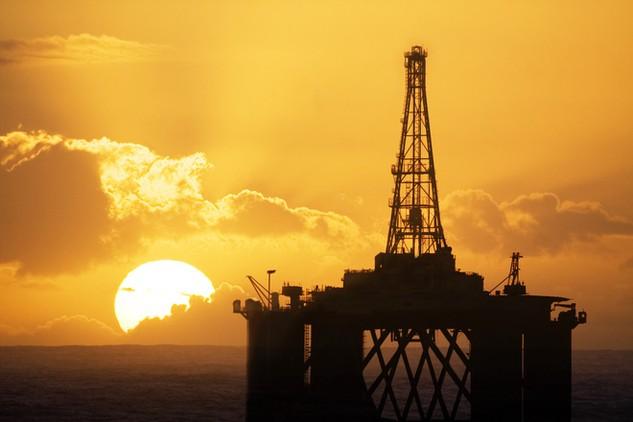 Cổ phiếu dầu khí đang tăng mạnh, nhưng đừng vội mừng