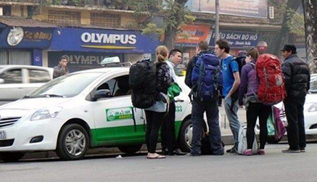 Mai Linh thông báo giảm giá cước 500 đồng/km đối với taxi 4 chỗ và 600 đồng/km đối với taxi 7 chỗ trong lần điều chỉnh này.