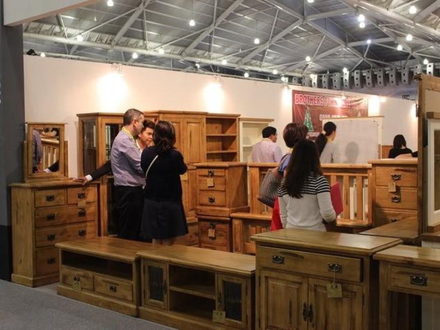Những ngành xuất khẩu lớn như đồ gỗ đều đứng trước bài toán phải tái cấu trúc lại