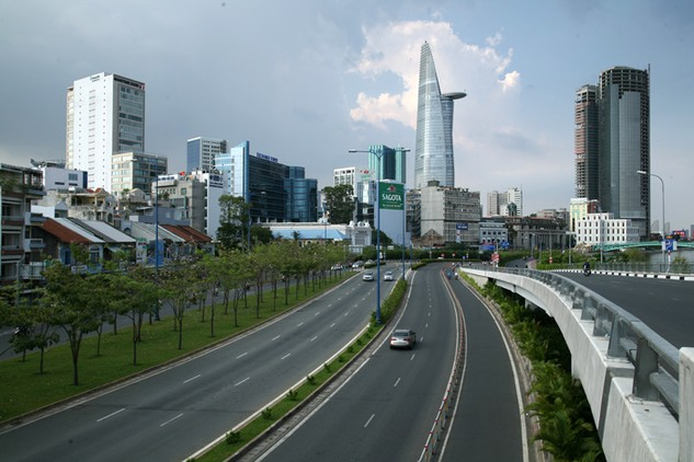 Từ nay đến năm 2025, TP.HCM cần khoảng 258.963 tỷ đồng vốn cho phát triển giao thông đô thị. Ảnh: Lê Tiên