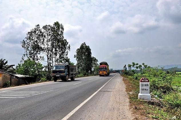 Nhà thầu liên tục kiến nghị về các gói thầu xây lắp trên địa bàn huyện Hoài Nhơn, tỉnh Bình Định. Ảnh: Tường Lâm