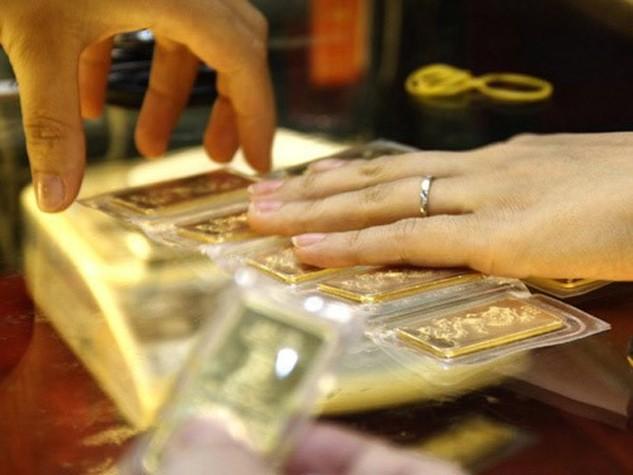 Giá vàng miếng SJC cao hơn giá thế giới 250.000 đồng/lượng