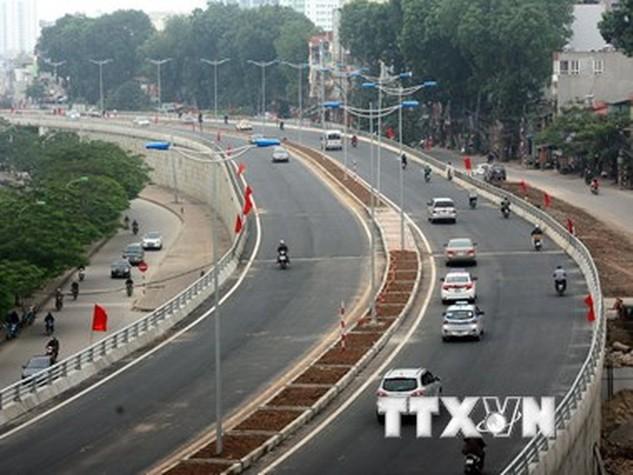 Một đoạn đường vành đai 2 đoạn Nhật Tân-Cầu Giấy. (Ảnh: Huy Hùng/TTXVN)