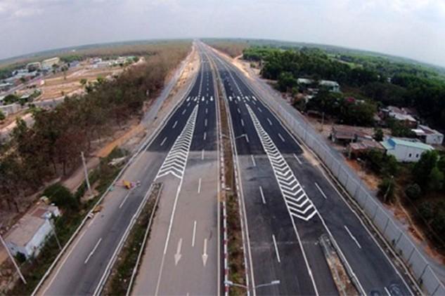 Được khởi công từ tháng 7/2014, đến nay, hầu hết các gói thầu của dự án đường cao tốc Bến Lức – Long Thành chưa được triển khai thi công.