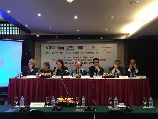 Theo EuroCham, một số chỉ số về môi trường kinh doanh của Việt Nam vẫn cần được tiếp tục cải thiện. Ảnh: Trần Tuyết
