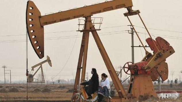 Châu Á là lý do khiến các nước sản xuất dầu lớn thế giới chưa lùi bước trong cuộc chiến sản lượng - Ảnh: AFP