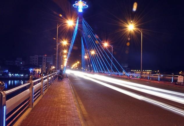 Cả nước có 27.000 km đường đô thị được chiếu sáng, giảm dần bóng đèn cao áp thủy ngân, tăng các loại bóng đèn hiệu suất cao hơn như bóng đèn compact, ballast điện tử 2 cấp công suất