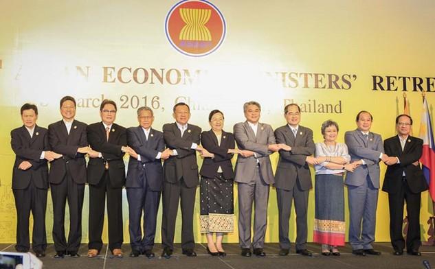 Các đại biểu dự Hội nghị Bộ trưởng Kinh tế ASEAN - Ảnh: Lam Yên