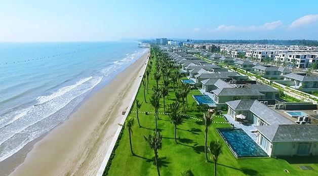 FLC Samson Beach & Golf Resort đã hoàn thành và đưa vào khai thác tháng 7/2015.