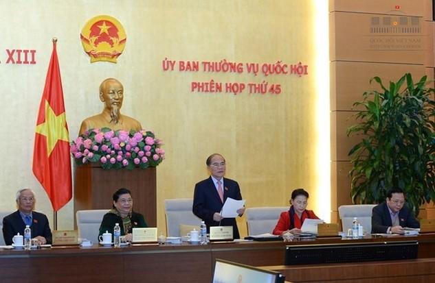 Chủ tịch Quốc hội Nguyễn Sinh Hùng phát biểu tại phiên khai mạc phiên họp thứ 45 Ủy ban Thường vụ Quốc hội.